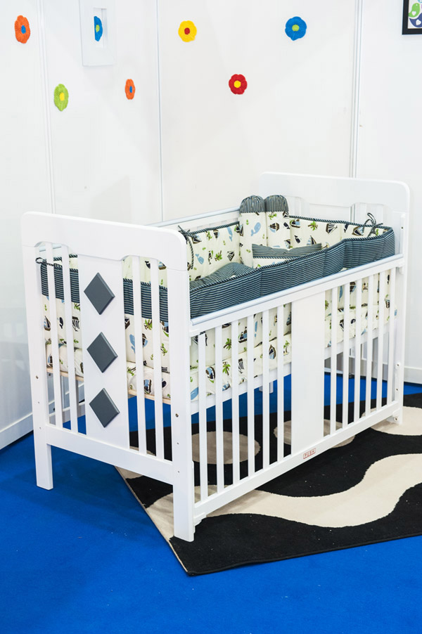 grow grayish baby cot